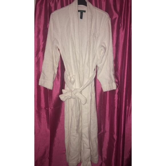 3b3b75d3b5 Long White Ralph Lauren Terry Cloth Bathrobe. M 5b02aaaa8df470351f0132be